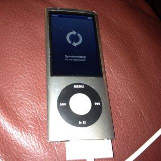Apple iPod nano 4th Generation chromatic Silver 16 GB Works Great