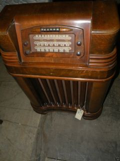 Antique 1946 Philco Art Deco Console Floor Tube Radio 46 480 Model