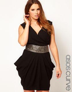 Aumentar Vestido drapeado con adorno en la cintura exclusivo de ASOS