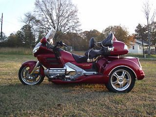 Honda  Gold Wing 08 HONDA GOLDWING GL1800 ROADSMITH TRIKE WITH