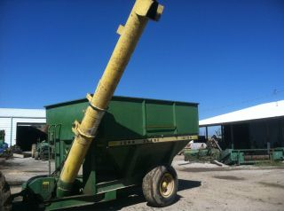 1210A JOHN DEERE AUGER WAGON GRAIN FEED SEED CART GRAIN RICE BUGGY