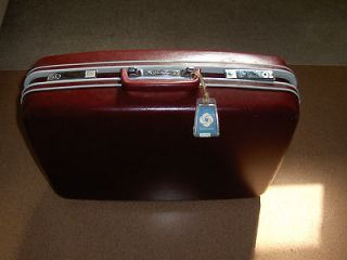 VINTAGE 16 SAMSONITE LUGGAGE RETRO PROFILE BURGANDY HARD SIDED