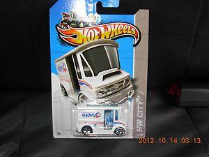 2013 Hot Wheels Treasure Hunt Bread Box Truck***