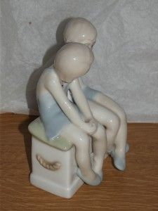 Lovely Royal Doulton Child Reflections Figurine Good Pals HN3132 1st