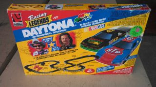 Daytona Petty Ho electric race car set. Slot Car. Richard & Kyle Petty