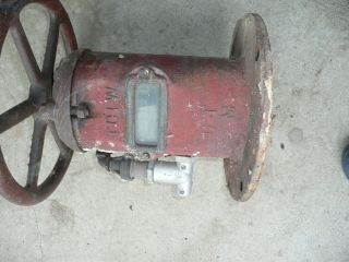 Antique Fire Hydrant Valve TCIW model 400W Cast Iron 14 wheel