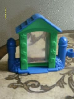 Fisher Price LITTLE PEOPLE mattel blue green SILLY MIRROR 2003