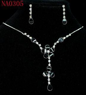 Appealing Black Flower Crystal Necklace Earrings Set