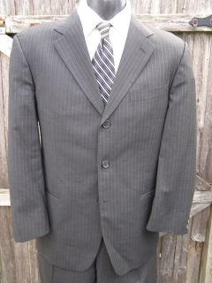 Hugo Boss Size 40 Short Dark Gray Pinstripe 3 Button Suit