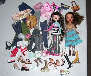 NICE BIG LOT of Bratz characters clothes shoes assorted items BRATZ