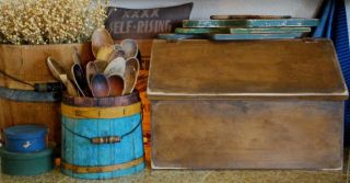 Primitive Early Antique Style Kitchen Bread Box Bin