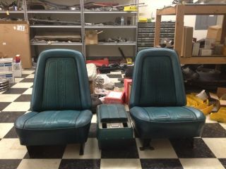 1969 1970 Chevy Truck Bucket Seats And Console