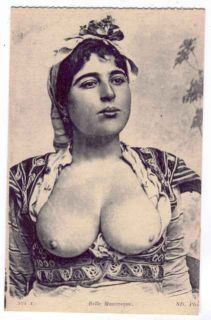 AFRICA TOPLESS BUXOM MAURESQUE BEAUTY POSTCARD