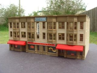 DPM N SCALE DOWNTOWN BUILDING WOOLWORTH DEPARTMENT STORE BUILT & READY