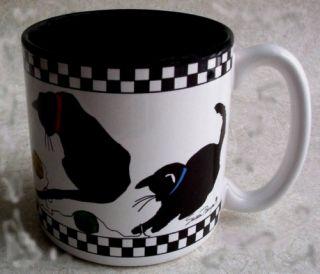 NEW Susan Burger Black & White Checkered Cat Mug Playing w Yarn Balls