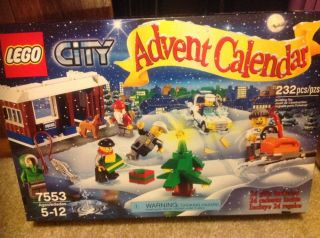 LEGO 7553 City Christmas Xmas Holiday Advent Calendar 2011 Sealed Box