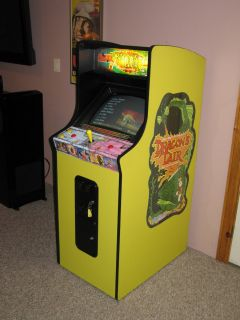 Dragons Lair 20th Anniversary Upright Coin Op Arcade Game