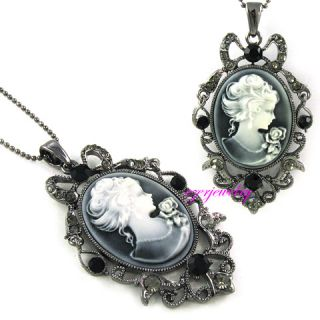 New Vtg Style Cameo Gray Crystals Pendant Necklace N309