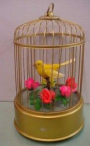Canary in Cage HAPPING SINGING BIRD w Box Modern Toys Japan Battery Op