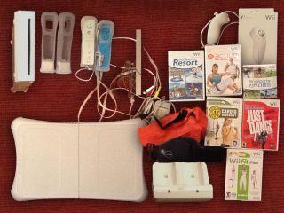 Nintendo Wii Fitness Bundle 2X Wiimotes Nunchuks Balance Board 6X