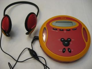 Childrens DISNEY portable CD Player Walkman AM/FM Radio & Headphones