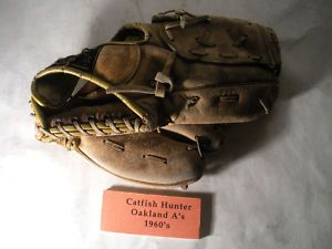 Vintage Catfish Hunter Autograph Endorsed Wilson 3116 Righty Baseball