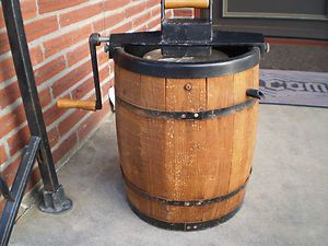 Cedar Wood Barrel Hand Crank Ice Cream Maker