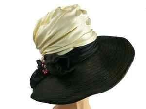 Vintage Ladies Hat Dramatic Brimmed Charo Label 1960s