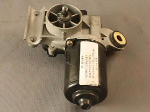 04 10 Chevrolet Optra OEM WindShield Wiper Motor