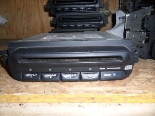 98 02 Chrysler Dodge Neon Caravan 4 Disc CD Changer CP