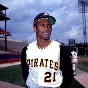 RARE Roberto Clemente jersey shirt Pittsburgh Pirates MENS medium NWT