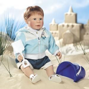 New 2008 Lee Middleton Doll Building Sand Castles