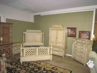 Shadow Mountain Cottage Grove Queen Bedroom Suit