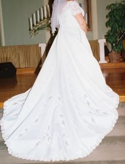 Davids Bridal Wedding Dress size 20 22