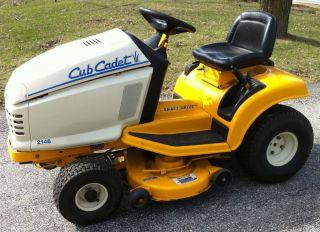 Cub Cadet 2146 Shaft Drive Hydrostatic Riding Lawn mower 220 hours
