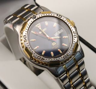 Sports 150 Mens Stainless Steel Day Date Calendar Watch 7N43 6029 Blue