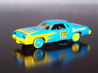 1976 Oldsmobile Cutlass Demolition Derby Car Mint 1 64 Diecast