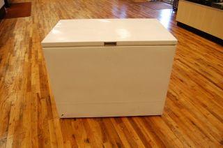 Montgomery Ward Model 85196 Chest Deep Freezer