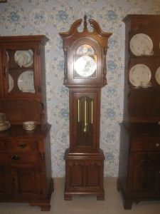Ethan Allen Heirloom Nutmeg Maple Collection Willard Grandfather Clock