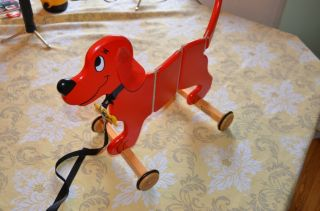 Clifford The Big Red Dog Pull Toy Applepie Toys