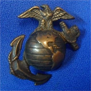 Original WW2 USMC Marine Corps Full Size Cap Badge