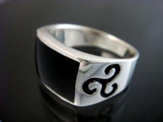 925 Sterling Silver Mens Celtic Engraved Black Onyx Stone Ring