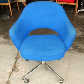 Mid Century Modern Knoll Saarinen Executive Chair