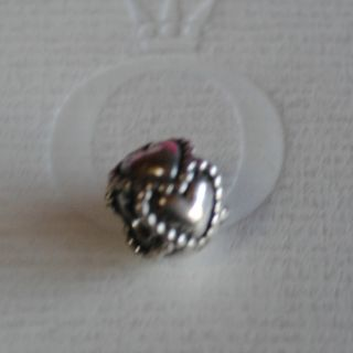 790448 Authentic Pandora Everlasting Love Heart SS Charm