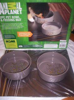 New in Box Animal Planet Dog 2 PC Pet Bowl Feeding Mat