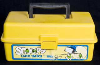 Snoopy Catch Em Fishing Tackle Box Tray Hooks Bobber Weights