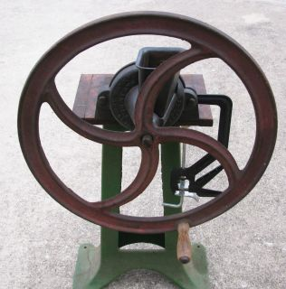 VINTAGE CAST IRON F WILSON GRIST CORN GRINDER MILL COUNTER TOP 1885 NO