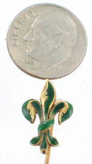 emerald green enamel fleur de lis stick pin so pretty