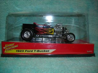 18 1923 Ford T Bucket in Black Flames by Johnny Lightning