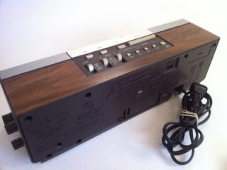 Up for sale is a GE General Electric   Digital Clock Radio   Model #7